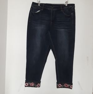 NWT TERRA&SKY Cropped Jeans Floral Detail 18W